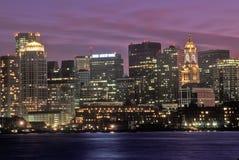 Horizonte en la noche, Boston, Massachusetts fotos de archivo