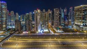 Horizonte fantástico del tejado del timelapse del puerto deportivo de Dubai almacen de video