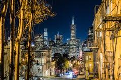 Horizonte financiero del distrito del ` s de San Francisco fotografía de archivo