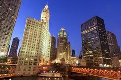 Horizonte hermoso de la noche de Chicago Fotos de archivo