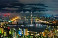 Horizonte Lotte World Shopping Center de la mañana en la noche En Han River en Corea del Sur Fotografía de archivo libre de regalías
