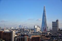 Horizonte moderno de Londres con el distrito de Canary Wharf en el backgrou Fotos de archivo
