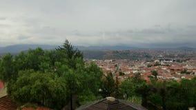 Horizonte sobre Sucre, Bolivia Visión aérea sobre el capital metrajes