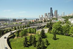 Horizonte y autopistas sin peaje de Seattle Foto de archivo