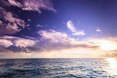 Horizonte y cielo de mar del paisaje marino Imagen de archivo
