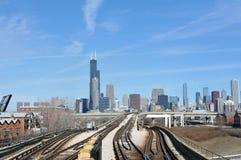 Horizonte y Entrenar-pista de Chicago imagen de archivo libre de regalías