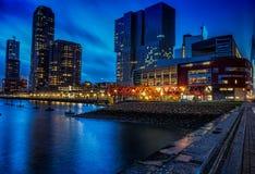 Horizonte y foto Rotterdam de la puesta del sol de Mosa foto de archivo libre de regalías