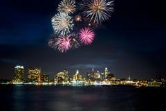 Horizonte y fuegos artificiales de Philadelphia Foto de archivo