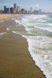 Horizonte y playa de Durban Imagen de archivo