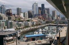 Horizonte y puerto de Seattle Foto de archivo