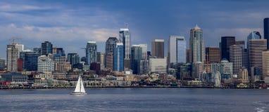 Horizonte y Puget Sound de Seattle Fotos de archivo libres de regalías