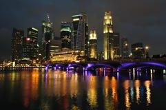 Horizonte y río de Singapur Foto de archivo libre de regalías