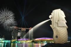 Horizonte y río de Singapur Fotos de archivo libres de regalías