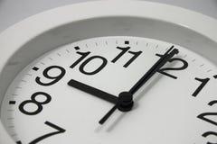 Horloge analogique à 9 heures Photo libre de droits