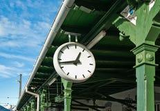 Horloge antique de gare images stock