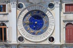 Horloge astronomique sur la place de St Mark à Venise photo libre de droits