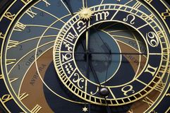 Horloge astronomique sur la vieille tour de ville à Prague Image libre de droits
