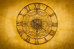 Horloge avec les nombres romains Photos stock