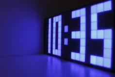 Horloge bleue Photos stock