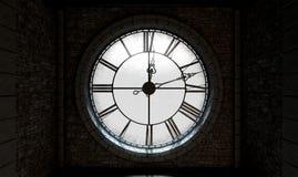 Horloge éclairée à contre-jour antique Images stock