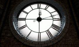 Horloge éclairée à contre-jour antique Image stock