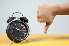 Horloge d'alarme avec le signe de panne Image stock