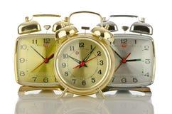 Horloge d'alarme sur le blanc Image libre de droits