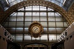Horloge d'or du ` Orsay du musée D Photos libres de droits