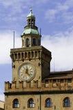 Horloge d'hôtel de ville à Bologna Italie Photographie stock libre de droits