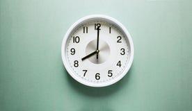 Horloge de ` de huit o photographie stock libre de droits