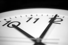 Horloge de ` de presque dix o photographie stock