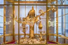 Horloge de paon, musée d'ermitage, St Petersburg, Russie Image libre de droits