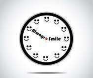 Horloge de sourire avec des heures remplacées par un sourire Photos libres de droits