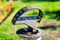 Horloge de Sun en Rose Gardens photo stock