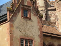Horloge de Sun sur la façade du château d'Heidelberg Photo stock