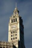Horloge de tour de la construction de Wrigley Photographie stock