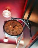 Horloge de vintage montrant le temps indien Images libres de droits