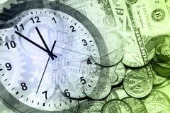 Horloge et argent comptant images libres de droits