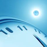 Horloge et la planète Photo stock