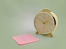 Horloge et post-its Photographie stock
