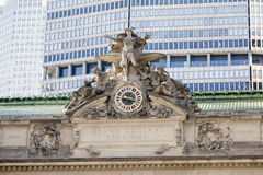 Horloge et statue sur la station centrale grande à New York City Photos stock