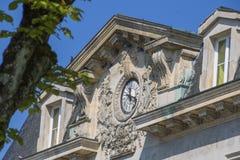 Horloge intéressante dans des Frances de Chaumont Photos libres de droits