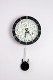 Horloge noire avec des trains Photo libre de droits