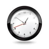 Horloge noire de bureau d'isolement sur le fond blanc Images stock