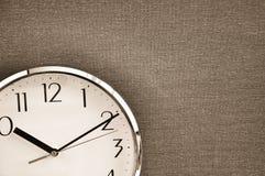 Horloge sur la toile Images libres de droits