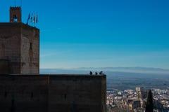 Horloge Tower Torre DE La Vela en de stad van Granada op de achtergrond royalty-vrije stock afbeeldingen