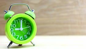 Horloge verte d'alarme Photographie stock