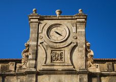 Horloges antiques de temple, Dubrovnik Image stock