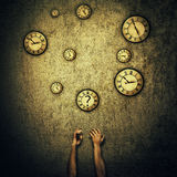 Horloges jonglant Photographie stock