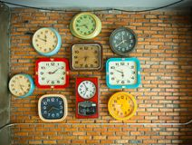 Horloges sur le mur Image stock